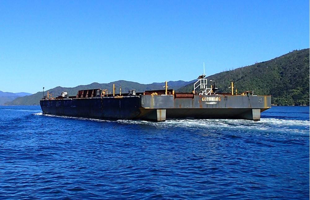 Dumb barge - New Zealand Marine Brokers